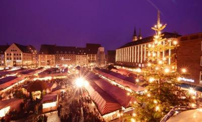 Christmas Markets by The Wandering Lens www.thewanderinglens.com