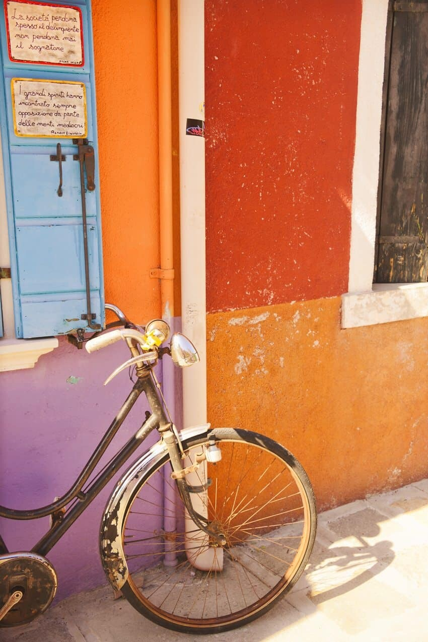 Burano, Italy just a short ferry ride from Venice - Photography by The Wandering Lens Lisa Michele Burns