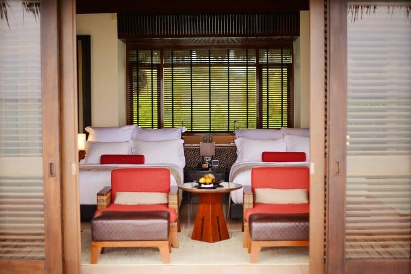 One & Only Reethi Rah Visual Hotel Review by The Wandering Lens