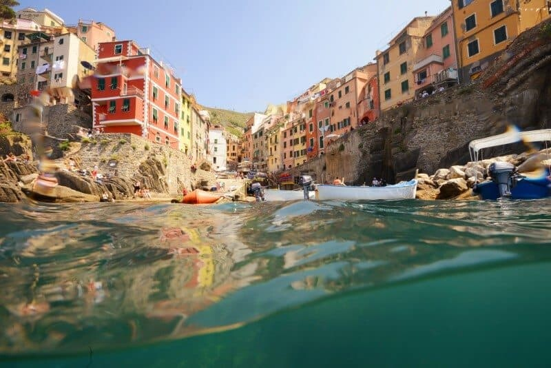 Travel Photography: The World from The Water by The Wandering Lens www.thewanderinglens.com