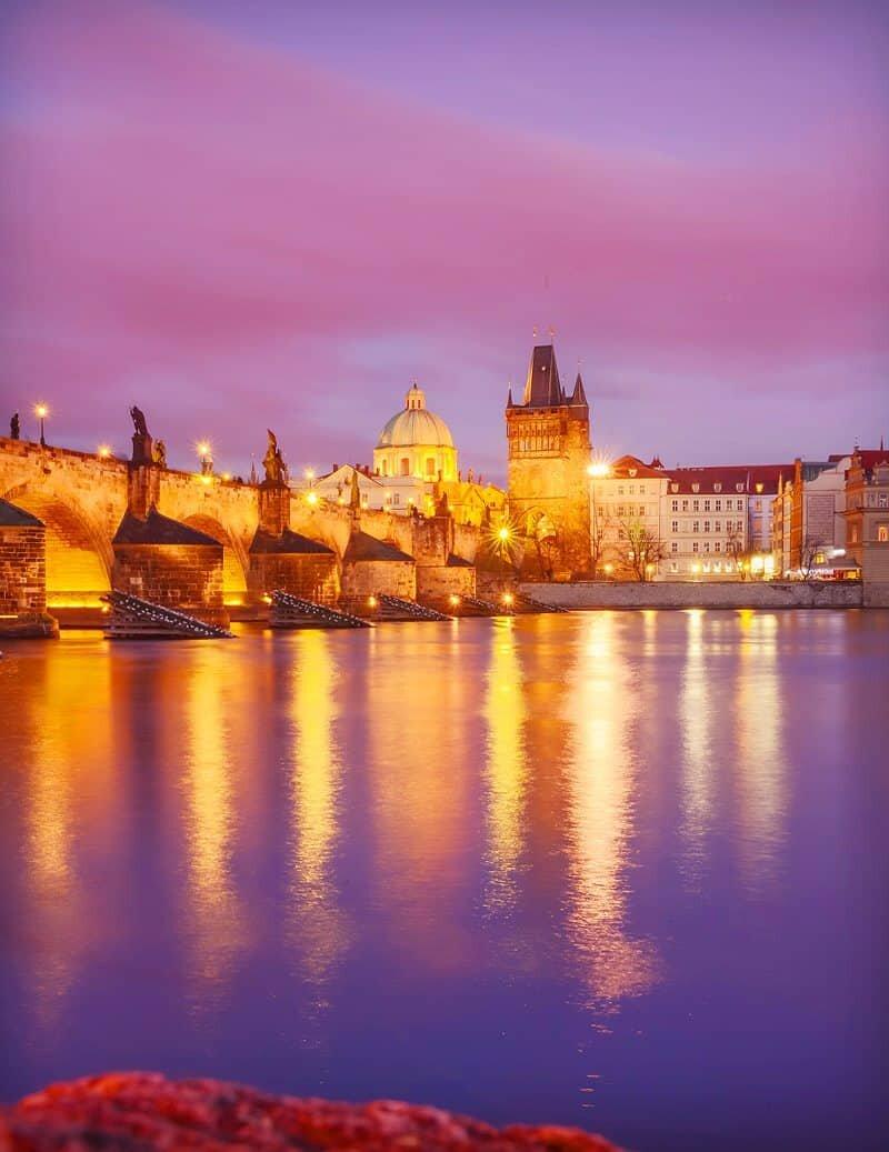 Prague via The Wandering Lens www.thewanderinglens.com