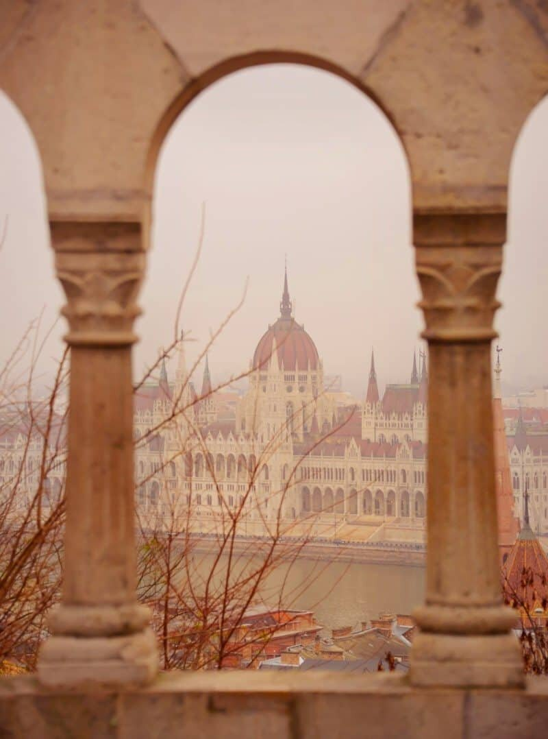 Budapest Photography Locations by The Wandering Lens www.thewanderinglens.com