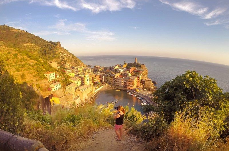 Cinque Terre, Italy by The Wandering Lens www.thewanderinglens.com
