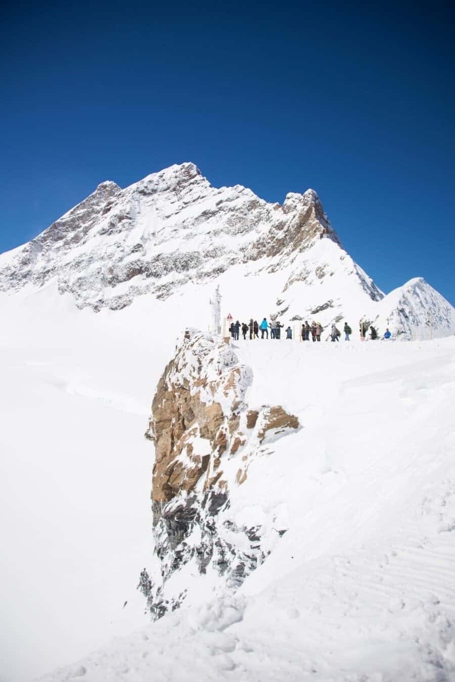 jungfrau-travel-guide-wengen-lauterbrunnen-and-grindelwald-by-the-wandering-lens-16