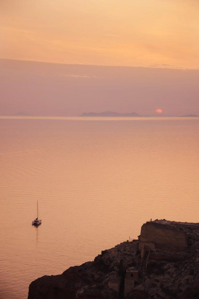 Santorini sunset photography locations