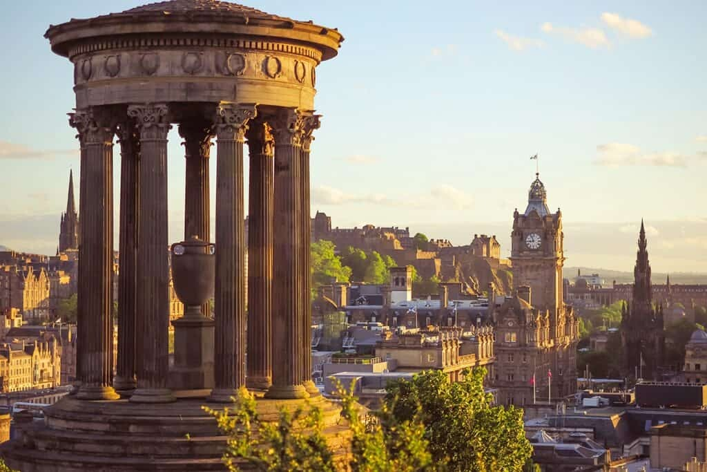Where to stay in Edinburgh by The Wandering Lens