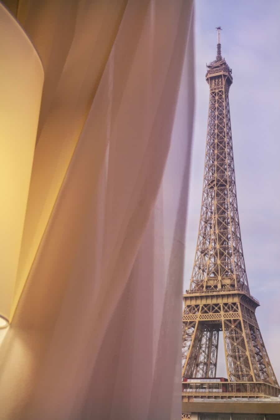 eiffel tower paris photography 14 places to take pictures of the eiffel tower. Black Bedroom Furniture Sets. Home Design Ideas