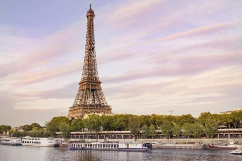Eiffel Tower Photography Guide - Paris Photography tips and where to take pictures of the Eiffel Tower