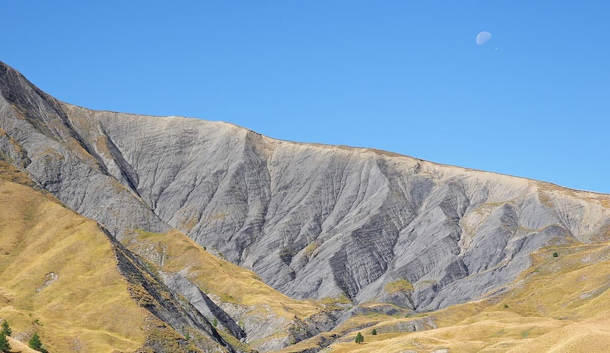 Photography Locations Some photography hot spots on the Col de la Bonette Route are listed below...